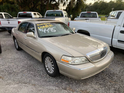 2005 Lincoln Town Car for sale at Harbor Oaks Auto Sales in Port Orange FL