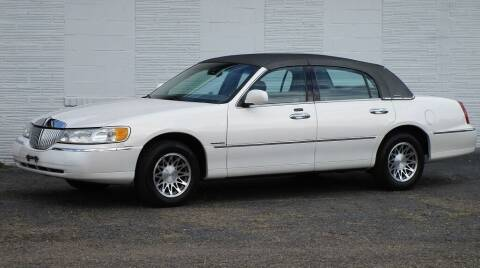 2000 Lincoln Town Car for sale at Kohmann Motors & Mowers in Minerva OH
