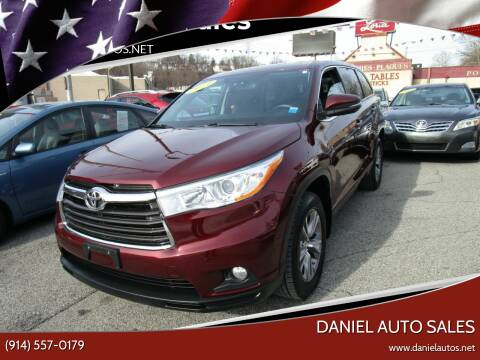 2014 Toyota Highlander for sale at Daniel Auto Sales in Yonkers NY