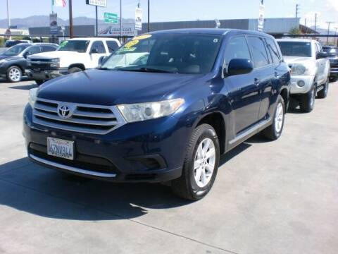 2013 Toyota Highlander for sale at Williams Auto Mart Inc in Pacoima CA