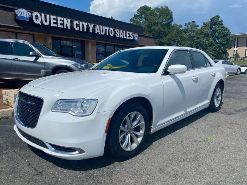 2015 Chrysler 300 for sale at Queen City Auto Sales in Charlotte NC