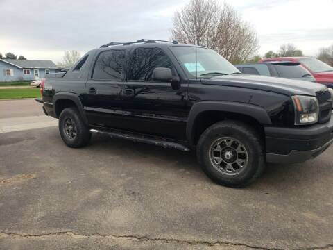 2004 Chevrolet Avalanche for sale at Geareys Auto Sales of Sioux Falls, LLC in Sioux Falls SD