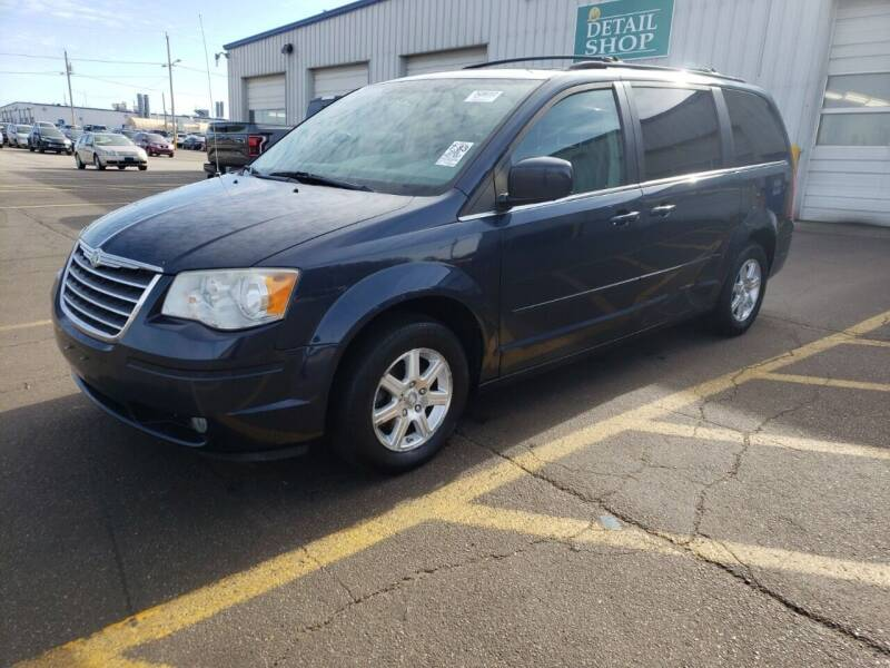 2008 Chrysler Town and Country Touring 4dr Mini-Van - Plymouth WI