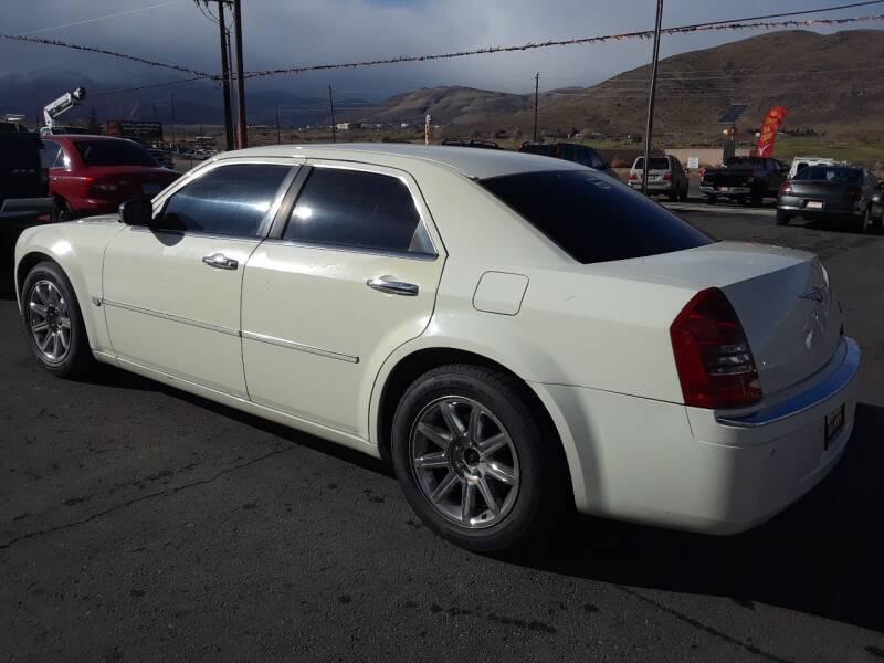 2005 Chrysler 300 C 4dr Sedan - Carson City NV