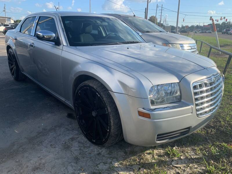 2008 Chrysler 300 for sale at Safeway Auto Sales in Horn Lake MS