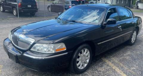 2007 Lincoln Town Car for sale at Select Auto Brokers in Webster NY