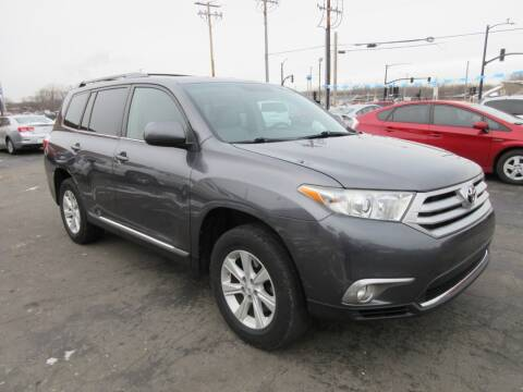 2011 Toyota Highlander for sale at Fox River Motors, Inc in Green Bay WI