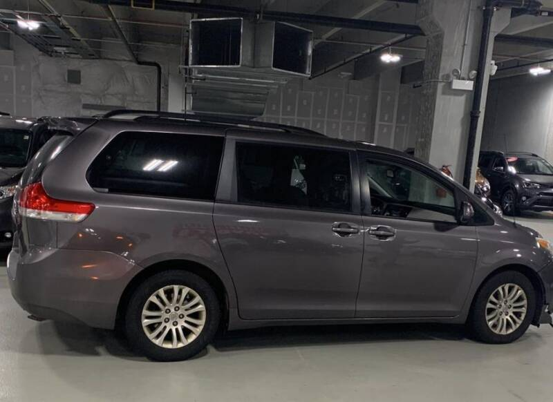 2013 Toyota Sienna for sale at The Bengal Auto Sales LLC in Hamtramck MI
