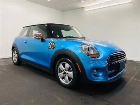 2018 MINI Hardtop 2 Door for sale at Champagne Motor Car Company in Willimantic CT