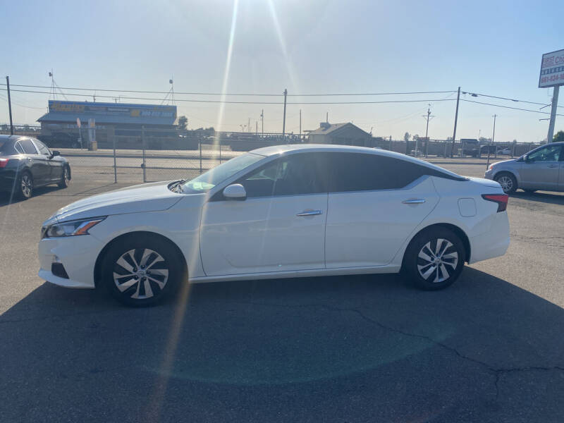 2020 Nissan Altima for sale at First Choice Auto Sales in Bakersfield CA