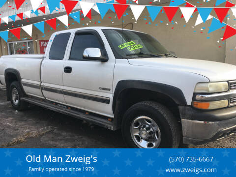 2000 Chevrolet Silverado 2500 for sale at Old Man Zweig's in Plymouth Township PA