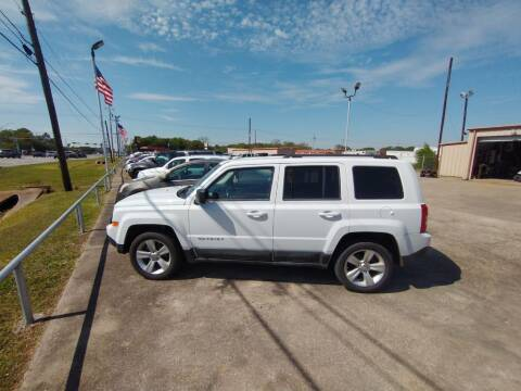 2011 Jeep Patriot for sale at BIG 7 USED CARS INC in League City TX