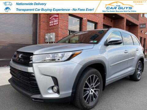 2017 Toyota Highlander for sale at The Car Guys in Staten Island	 NY