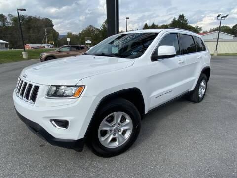 2015 Jeep Grand Cherokee for sale at Alexandria Auto Mart LLC in Alexandria PA