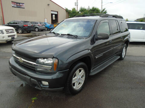 2005 Chevrolet Suburban for sale at H & R AUTO SALES in Conway AR
