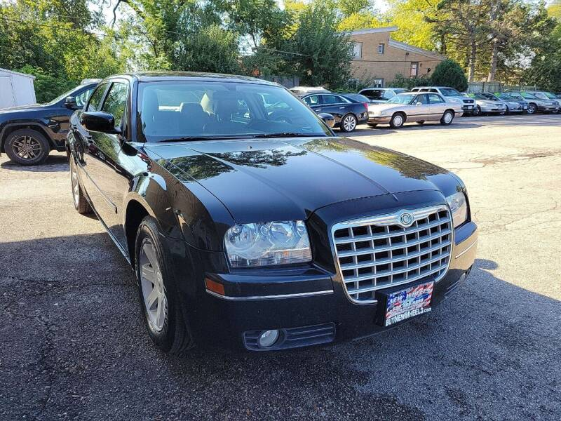 2005 Chrysler 300 for sale at New Wheels in Glendale Heights IL
