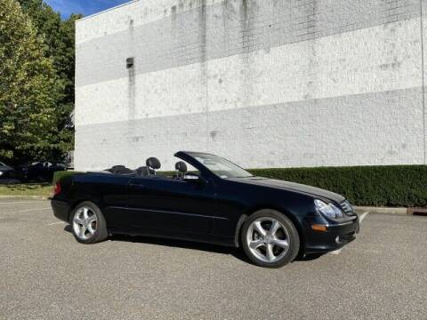 2005 Mercedes-Benz CLK for sale at Select Auto in Smithtown NY