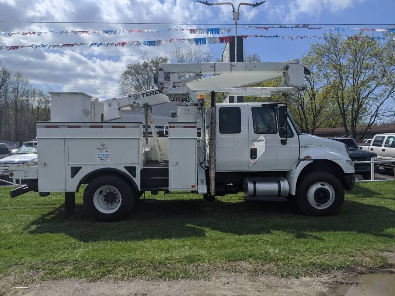 2011 International DuraStar 4400 for sale at GREAT DEALS ON WHEELS in Michigan City IN