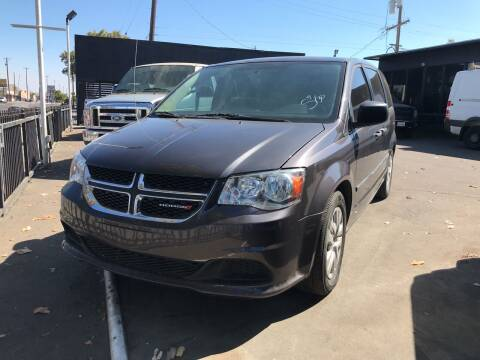 2016 Dodge Grand Caravan for sale at BMT Auto Sales in Fresno nul