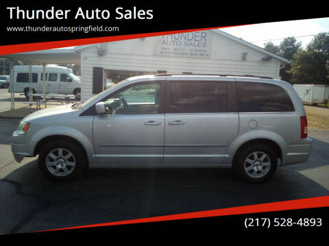 2010 Chrysler Town and Country for sale at Thunder Auto Sales in Springfield IL