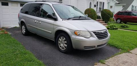 2006 Chrysler Town and Country for sale at O A Auto Sale in Paterson NJ