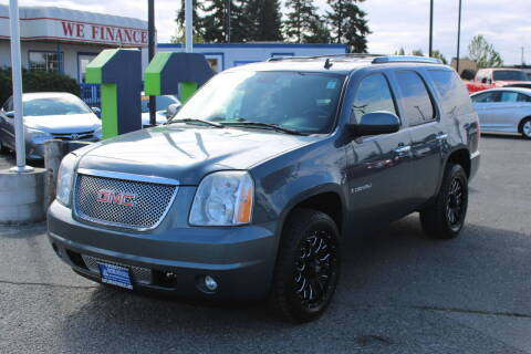 2008 GMC Yukon for sale at BAYSIDE AUTO SALES in Everett WA