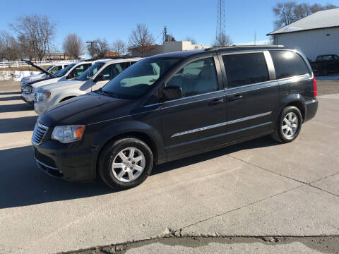 2013 Chrysler Town and Country for sale at Lannys Autos in Winterset IA