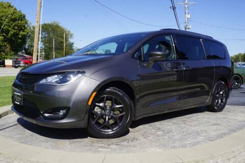 2019 Chrysler Pacifica for sale at Platinum Motors LLC in Heath OH