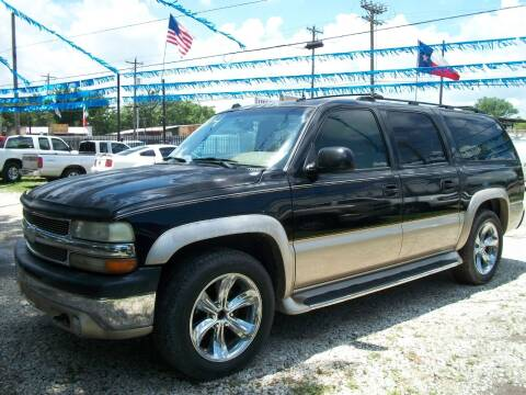 2004 Chevrolet Suburban for sale at THOM'S MOTORS in Houston TX