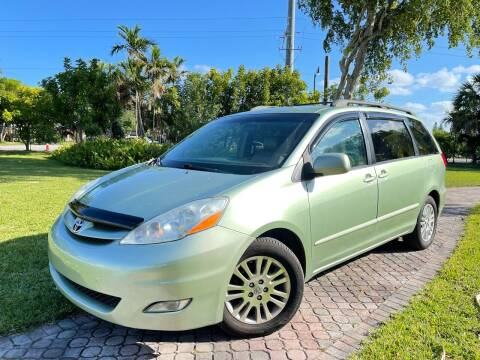 2008 Toyota Sienna for sale at Citywide Auto Group LLC in Pompano Beach FL