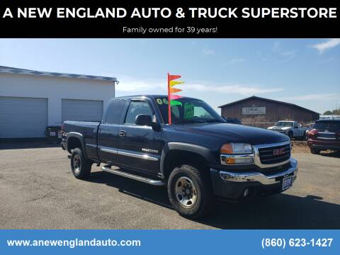2006 GMC Sierra 2500HD for sale at A NEW ENGLAND AUTO & TRUCK SUPERSTORE in East Windsor CT