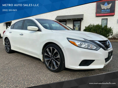 2016 Nissan Altima for sale at METRO AUTO SALES LLC in Blaine MN