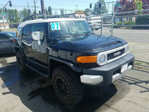 2007 Toyota FJ Cruiser for sale at Universal Auto Inc in Salem OR