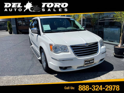 2008 Chrysler Town and Country for sale at DEL TORO AUTO SALES in Auburn WA