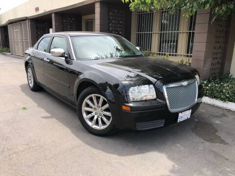 2005 Chrysler 300 for sale at AllanteAuto.com in Santa Ana CA