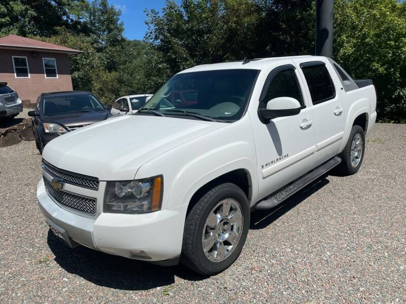 2009 Chevrolet Avalanche for sale at R C MOTORS in Vilas NC