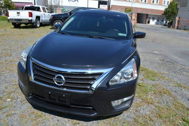 2013 Nissan Altima for sale at CASTLE AUTO AUCTION INC. in Scranton PA