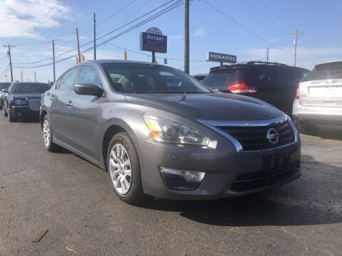2014 Nissan Altima for sale at Instant Auto Sales in Chillicothe OH