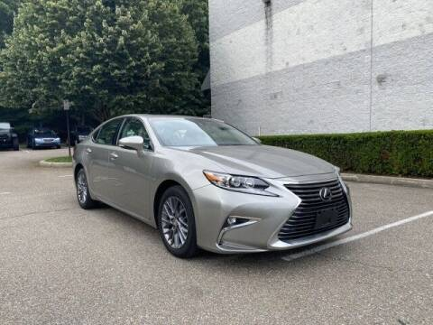 2018 Lexus ES 350 for sale at Select Auto in Smithtown NY