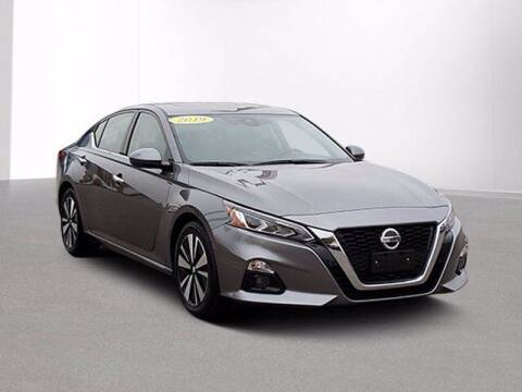 2019 Nissan Altima for sale at Jimmys Car Deals in Livonia MI