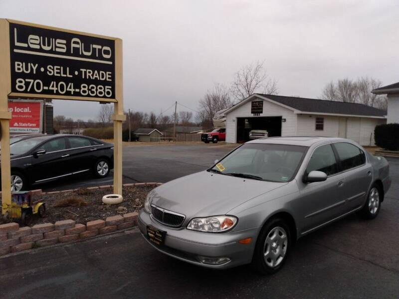 2001 Infiniti I30 for sale at LEWIS AUTO in Mountain Home AR