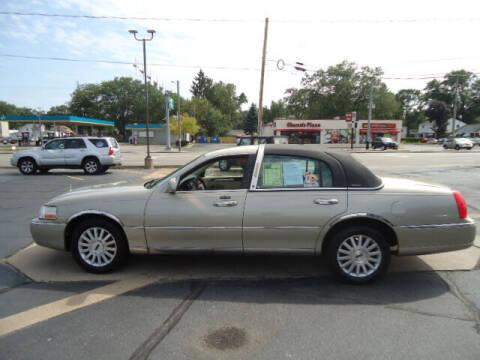 2004 Lincoln Town Car for sale at Tom Cater Auto Sales in Toledo OH