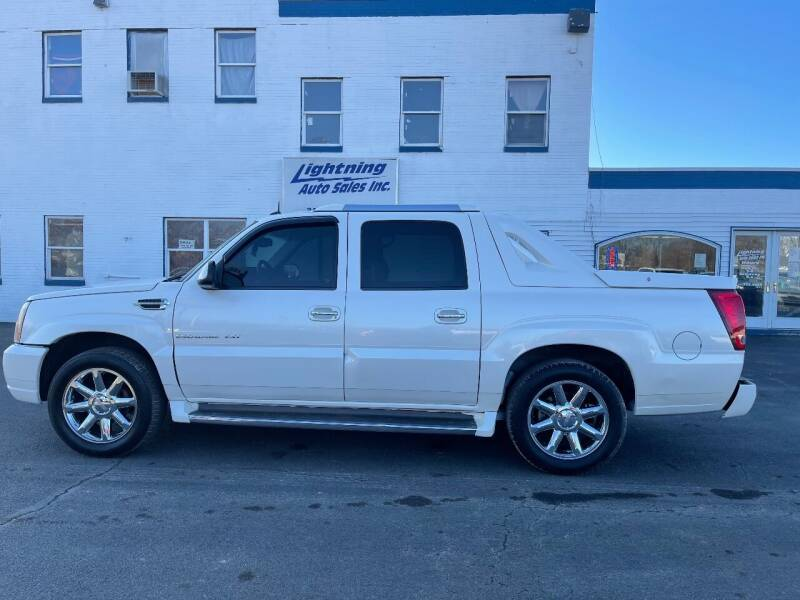 2003 Cadillac Escalade EXT for sale at Lightning Auto Sales in Springfield IL