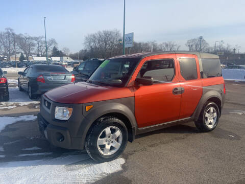 2003 Honda Element for sale at Peak Motors in Loves Park IL