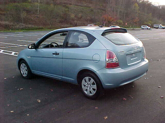 2009 Hyundai Accent GS 2dr Hatchback 4A - Pittsburgh PA