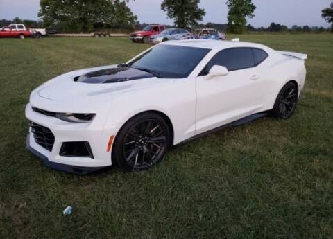 2018 Chevrolet Camaro for sale at Claborn Motors, INC in Cambridge City IN