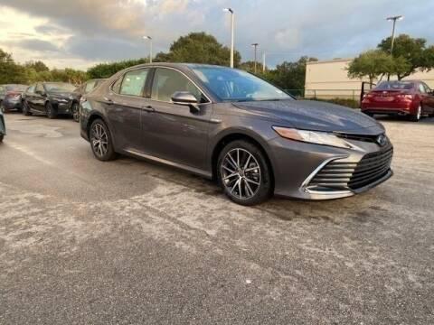 2021 Toyota Camry Hybrid for sale at PHIL SMITH AUTOMOTIVE GROUP - Toyota Kia of Vero Beach in Vero Beach FL