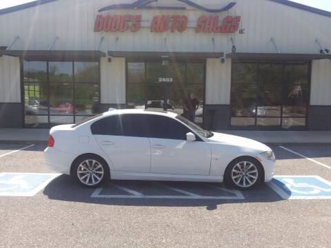 2011 BMW 3 Series for sale at DOUG'S AUTO SALES INC in Pleasant View TN