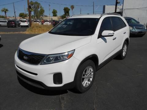 2014 Kia Sorento for sale at COUNTRY CLUB CARS in Mesa AZ