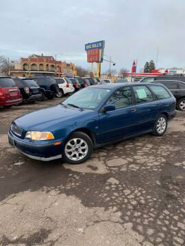 2000 Volvo V40 for sale at Big Bills in Milwaukee WI